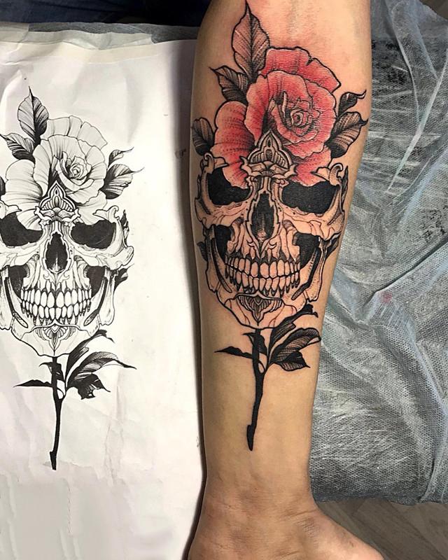 写实玫瑰骷髅纹身图案